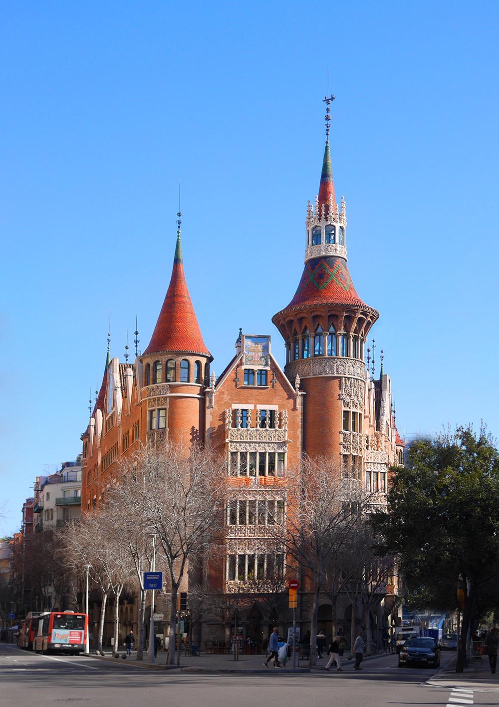 La Casa de les Punxes, un castillo en plena Diagonal